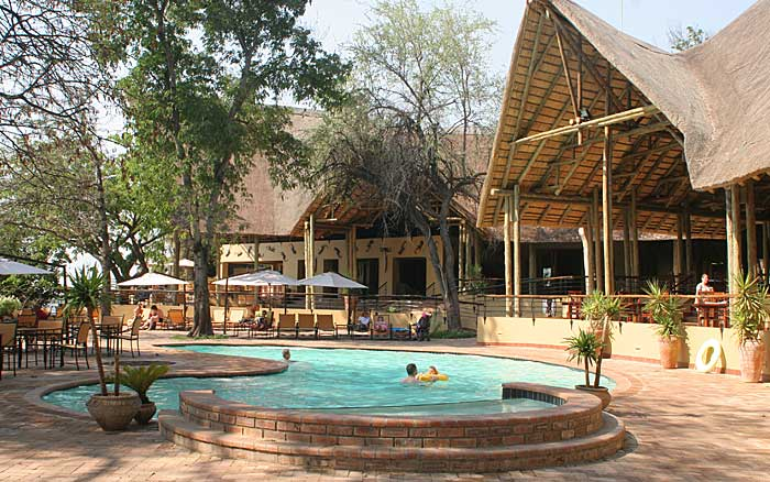 Chobe-Saf-Lodge-pool