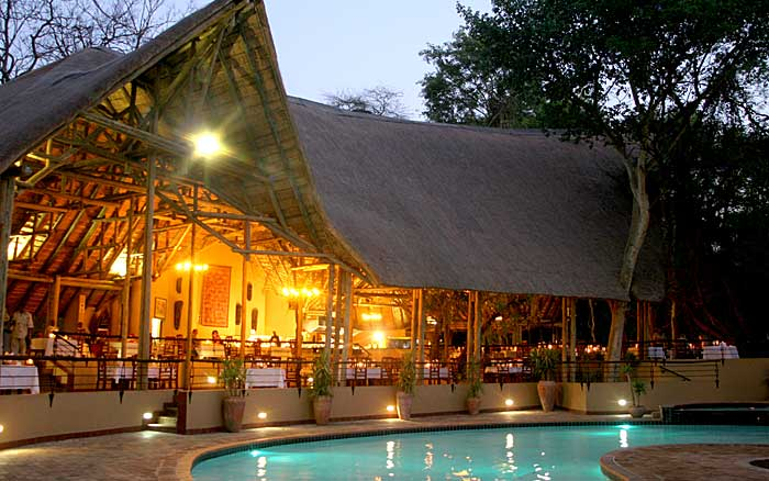 Chobe-Saf-Lodge-pool1