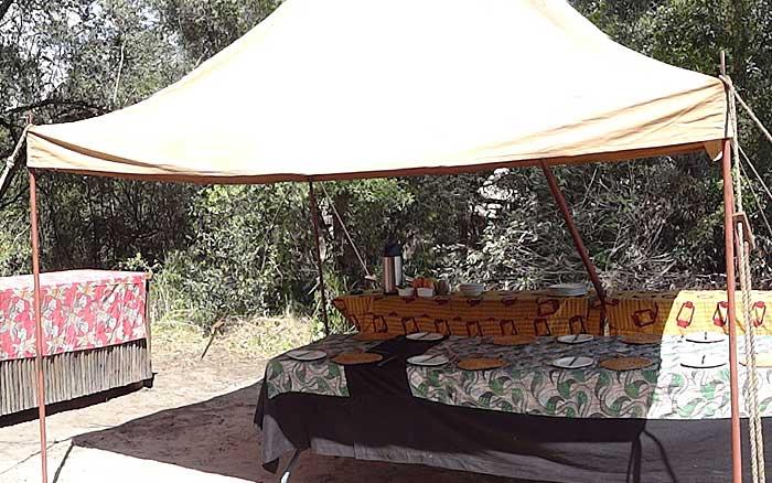 Kala-bushcamp-mess-tent