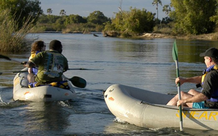 Vic-falls-rlodge-canoeing