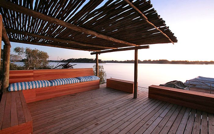 Vic-falls-rlodge-jetty