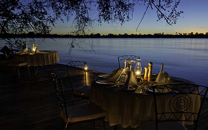 tongabezi-dining-outside