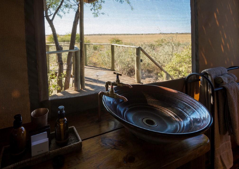 Kalahari Plains bahtroom