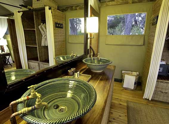 Little-vumbura-bathroom