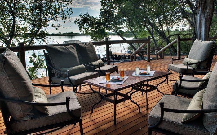 Xugana-I-lodge-deck