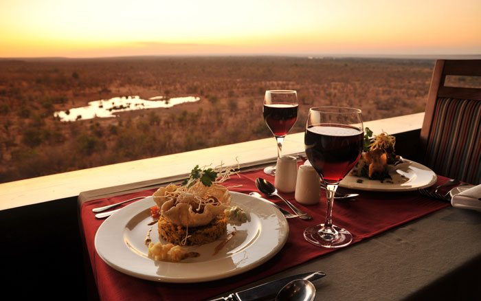 Vic-Falls-SafariL-dining