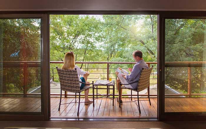 Vic-Falls-SafariS-balcony