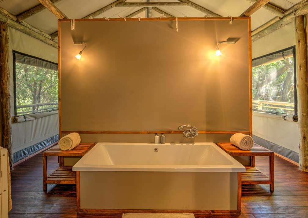 Setari-Camp-bath