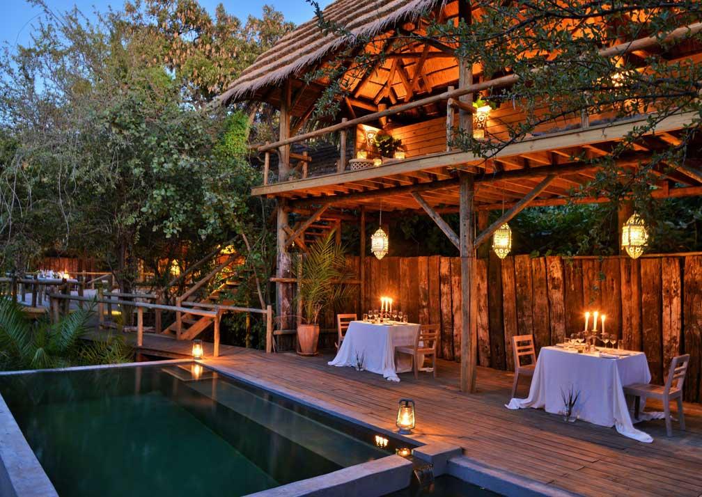 Chobe Bakwena Lodge pool side dininig