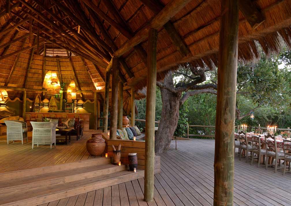 Chobe Bakwena Lodge bar and open air dining
