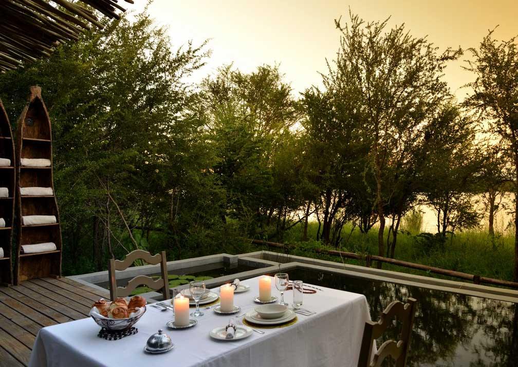 Chobe Bakwena Lodge open air dining