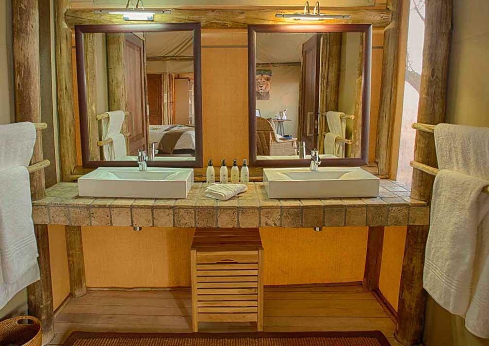 Ghoha Hills Savuti Lodge bathroom
