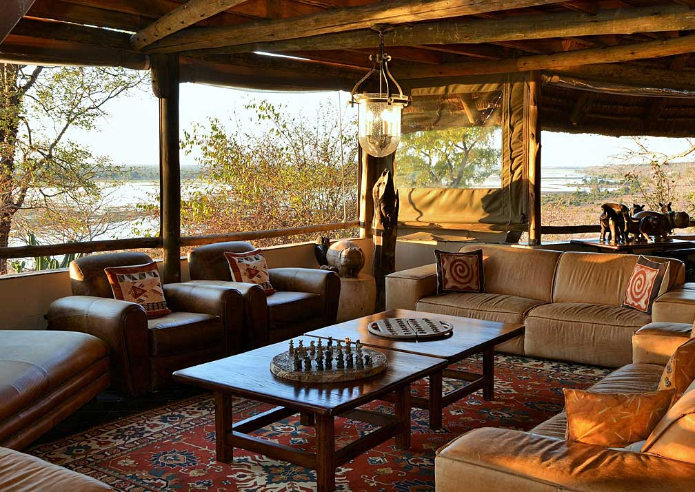 Muchenje Safari Lodge lounge