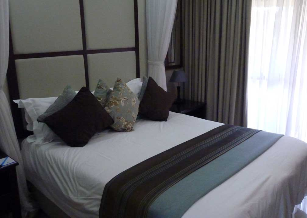 A'Zambezi River Lodge bedroom