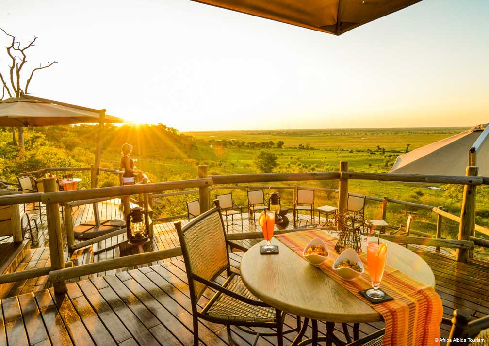 Ngoma Safari Lodge outdoor dining