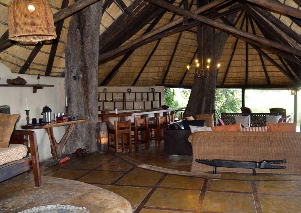 Nxamaseri Island Lodge lounge