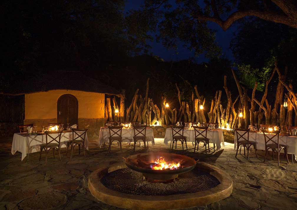 Tuli Safari Lodge outdoor dining area