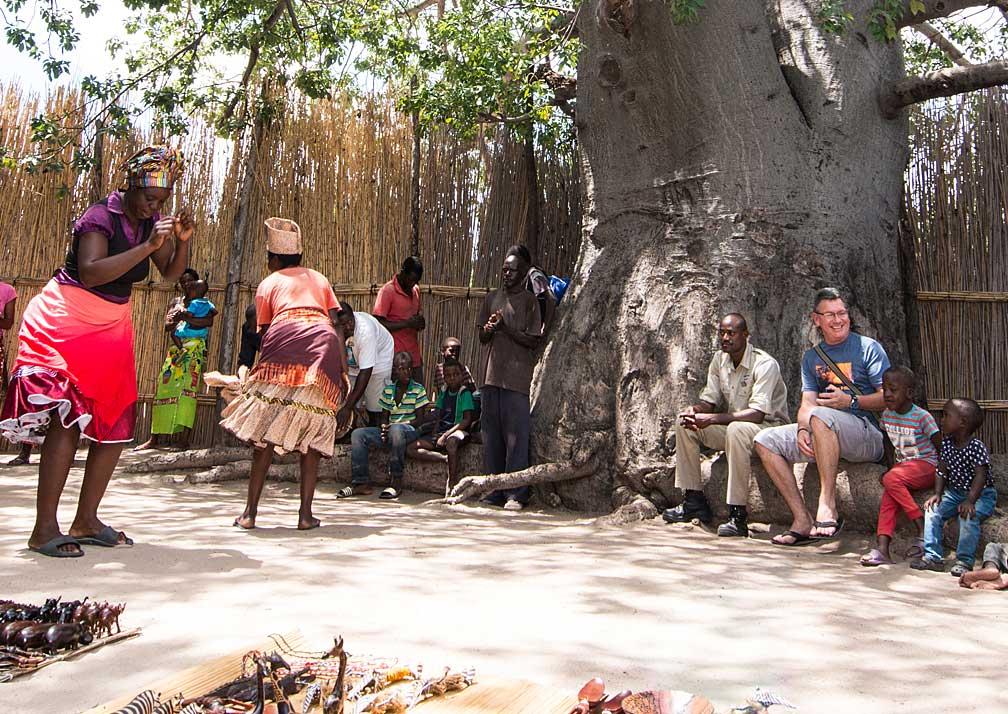 Zambezi Queen traditional dancing
