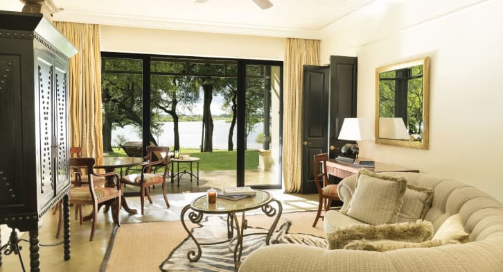 royal_livingstone_by_anantara_livingstonesuite_01_726x392