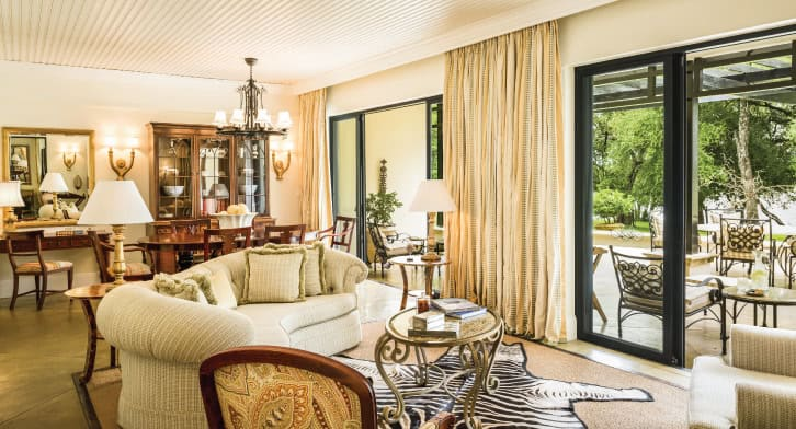royal_livingstone_by_anantara_presitentialsuite_01_726x392