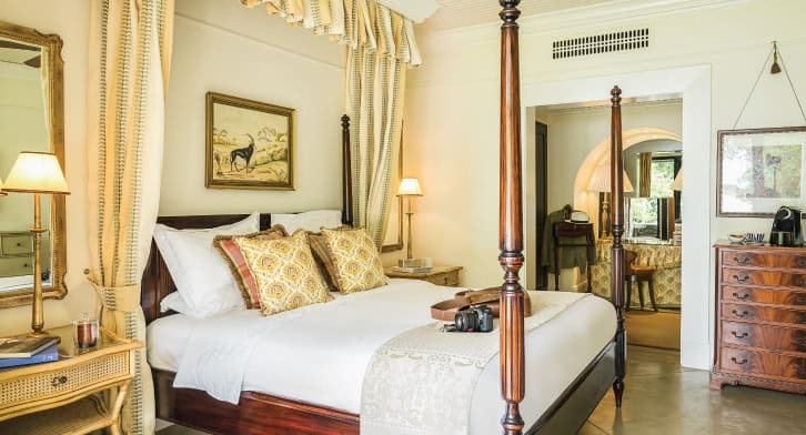 royal_livingstone_by_anantara_presitentialsuite_03_726x392